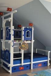 Hochbett für Dachschräge