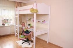 Hochbett mit Schreibtisch